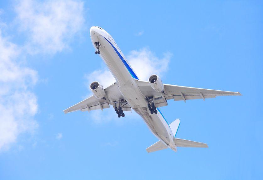飛行機が白い理由についての雑学