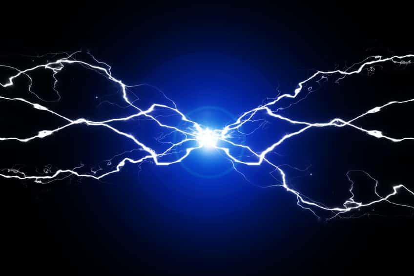 静電気が発生する理由と電力の大きさに関する雑学