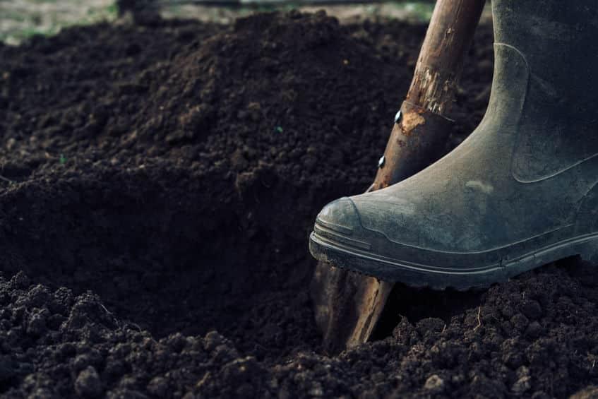 人類が掘った最も深い穴は旧ソビエト連邦による12,262メートルという雑学