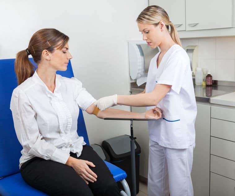病院での採血は静脈で行うというトリビア