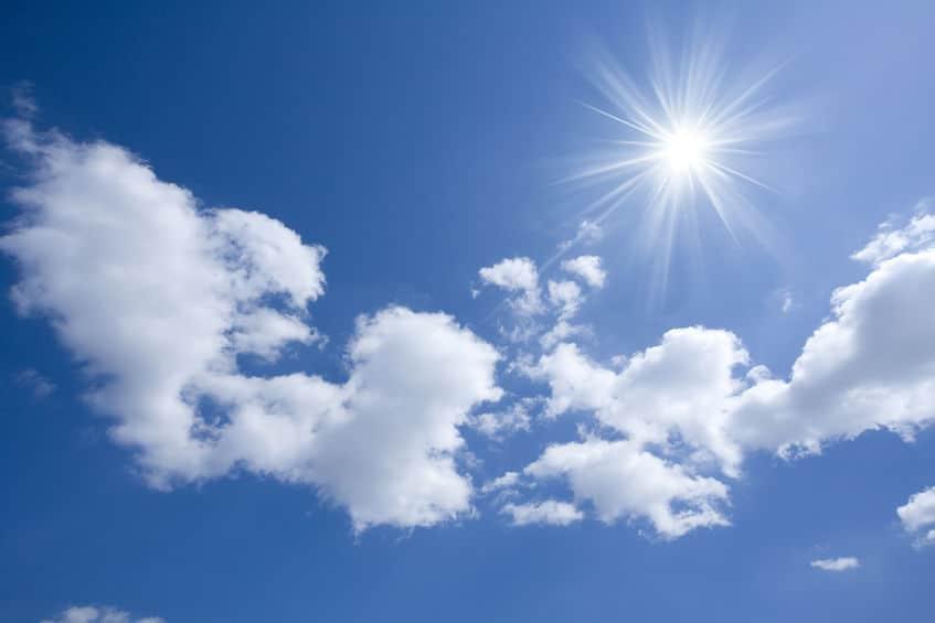 空が青い理由は?物体の色は光の色で決まる!というトリビア