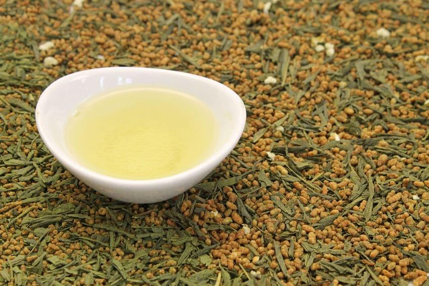 玄米茶は緑茶と白米からできているというトリビア