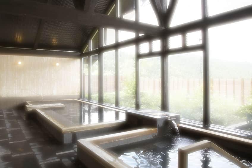 銭湯に初めて富士山が描かれたのはいつ?に関する雑学