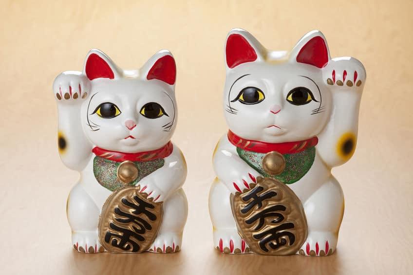 招き猫に両手を上げさせる裏技についてのトリビア