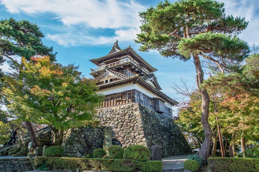 城の周りに植えられた松ノ木は、いざという時の非常食になるという雑学