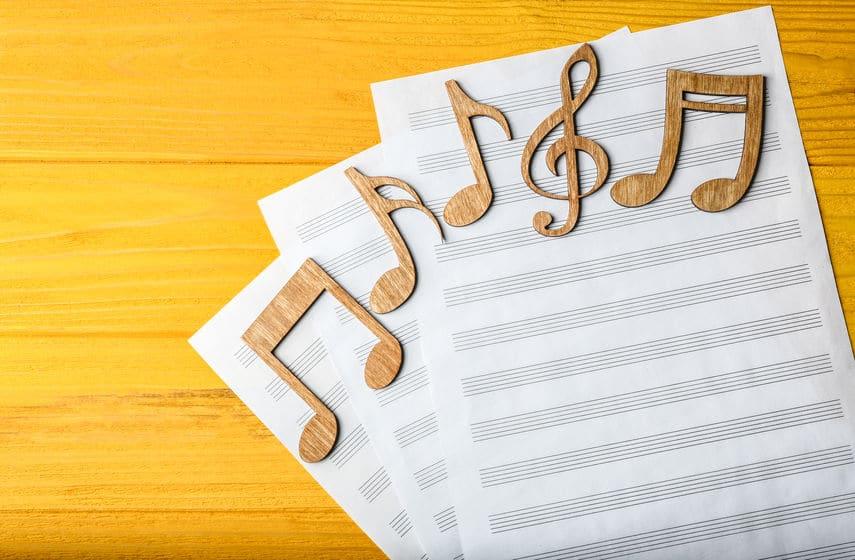 世界で一番弾かれているであろう「ねこふんじゃった」は楽譜にすると難しいというトリビア