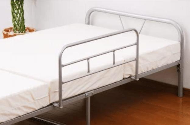ベッドに付いている手すりが原因か?というトリビア