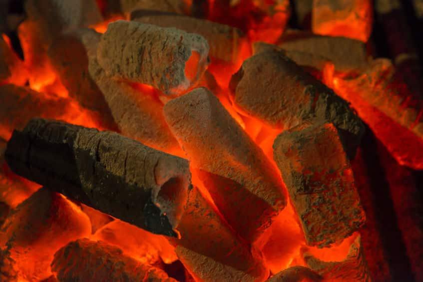 パスタ・アッラ・カルボナーラ=炭焼き職人風パスタというトリビア