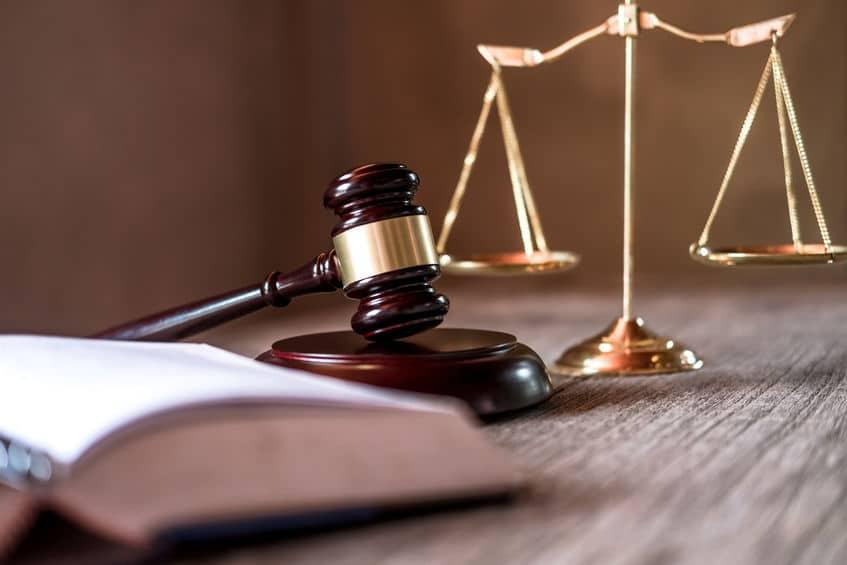 世界には、ウソのような法律が実は多く存在しているというトリビア