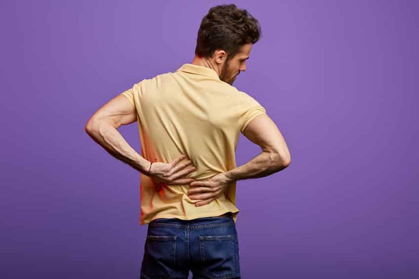 ぎっくり腰は欧米で「魔女の一撃」と呼ばれることがあるというトリビア