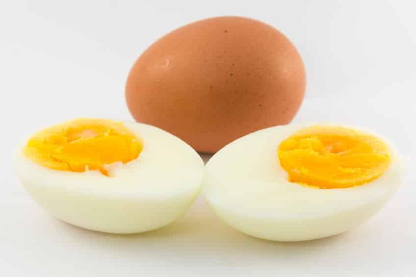 生卵とゆで卵では、生卵の方が日持ちするという雑学