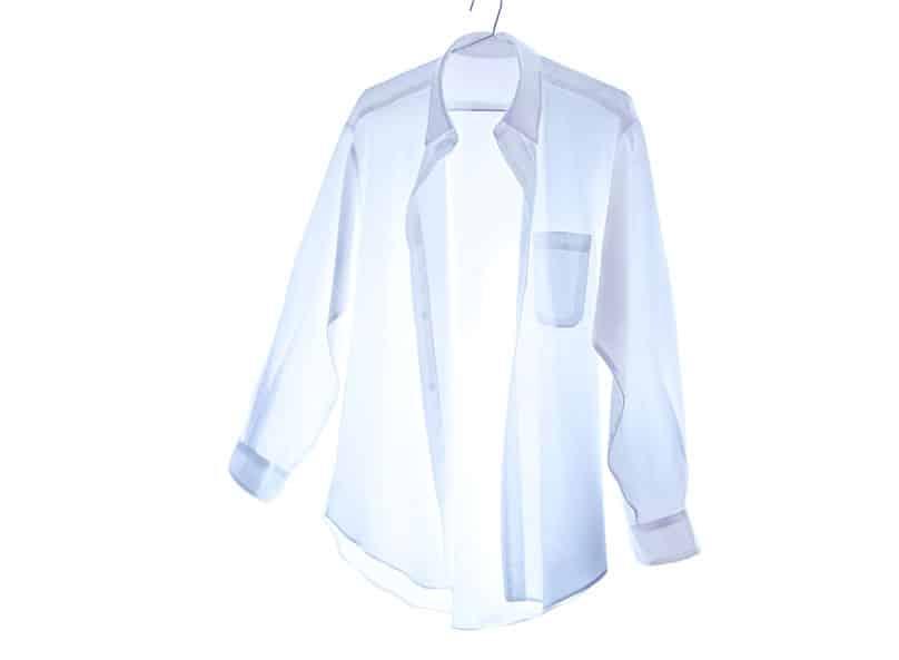 ワイシャツの前と後ろが長い理由に関する雑学
