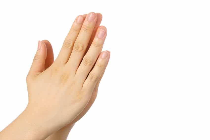 神社→手を叩く。お寺→叩かない。その理由についての雑学まとめ