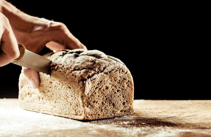 「主食」になるパンだから「食パン」説についてのトリビア