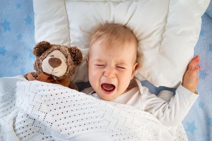 赤ちゃんが涙を流さないのは身体機能が未熟だからというトリビア