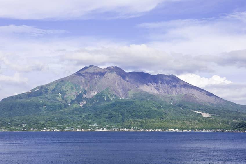桜島が島ではないのに島と呼ばれる理由に関する雑学