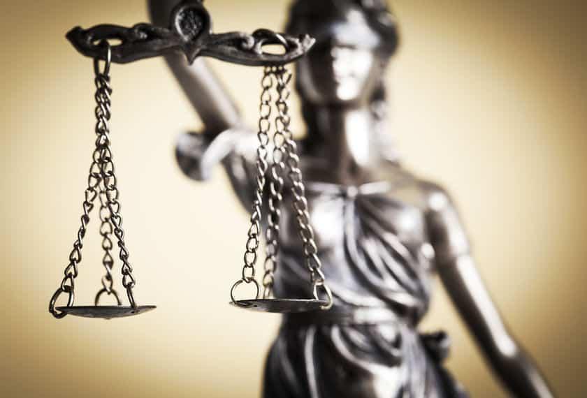 裁判官の服が黒いのは、公平さを示すためについてのトリビア