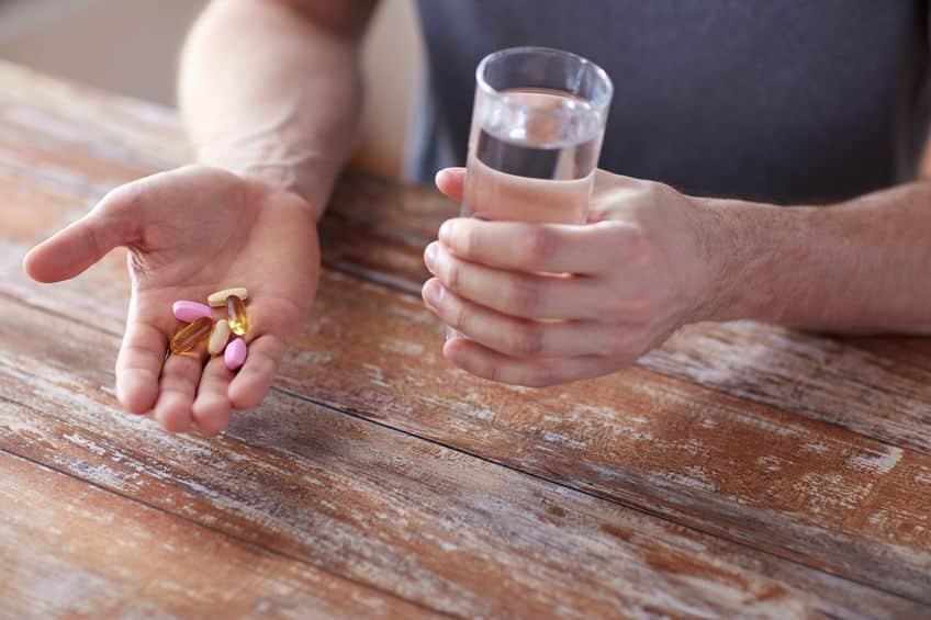 薬を飲むときには水で飲むのが基本というトリビア
