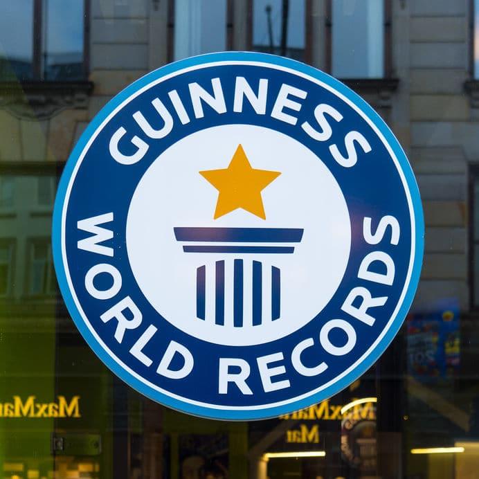 「世界一長い髪」のギネス記録は6.8m!というトリビア
