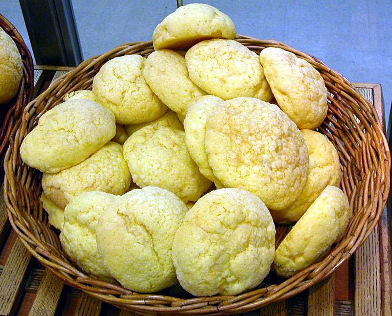 関西では一般的なメロンパンのことを「サンライズ」と呼んでいるというトリビア