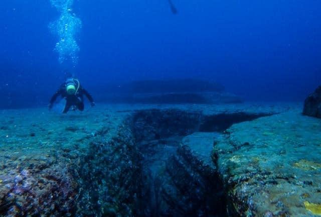 """世界一深い海""""マリアナ海溝""""とはどんな場所?どんな生物が棲んでいる?という雑学まとめ"""