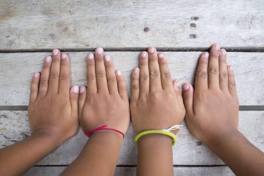 指によって爪の伸びる速度が違うという雑学