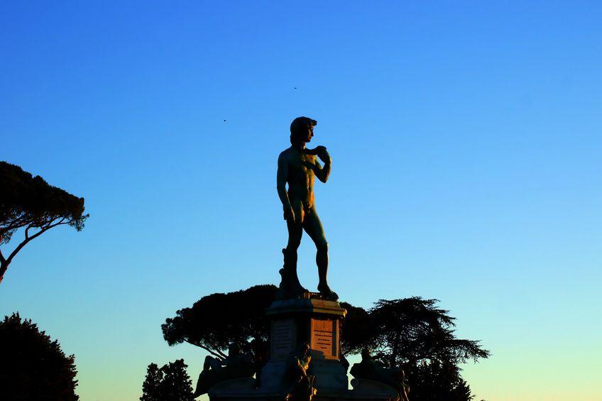 ダビデ像は大理石が足りなかった…というトリビア