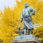 上野と鹿児島の西郷隆盛の銅像は着ている服が違うという雑学