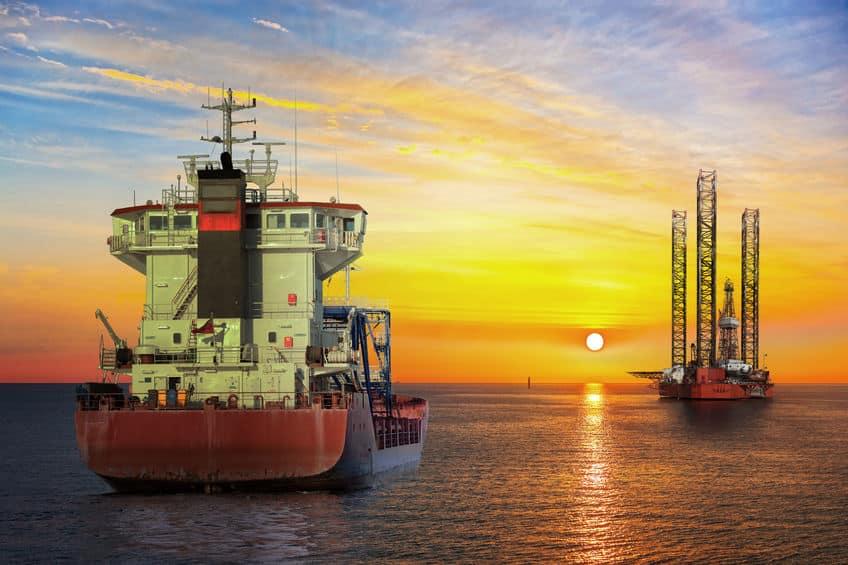 石油を運ぶ船は海水を積んでいることがあるという雑学