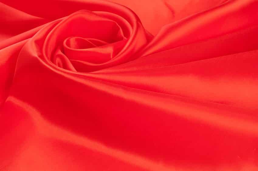 そもそも布が赤いのは人が興奮するためだった!というトリビア