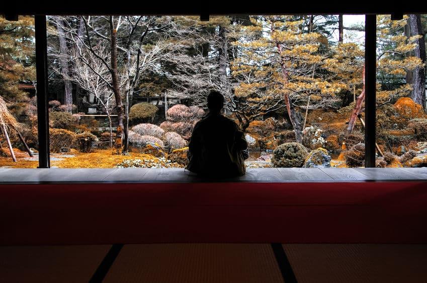 江戸時代の武士は、寝返りをしないようにしつけられていたという雑学