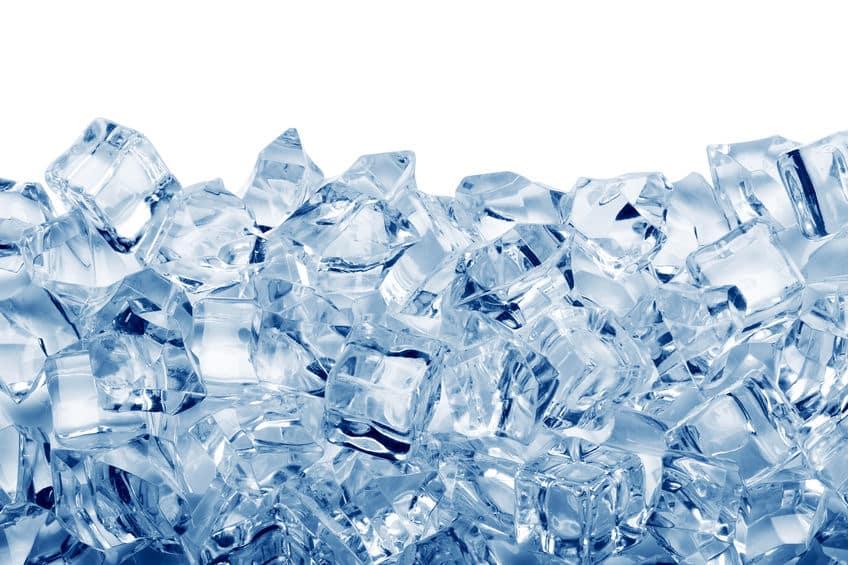 アルミカップとアルミバットを使うと氷を30分で作れるという雑学