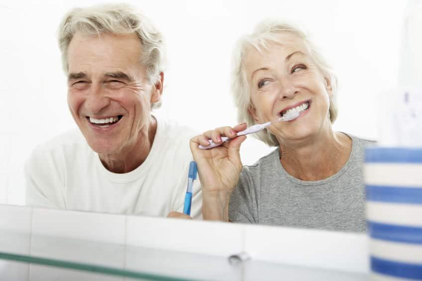 加齢には勝てんわい…歯は何歳から抜け始める?長持ちさせるコツは?についての雑学まとめ