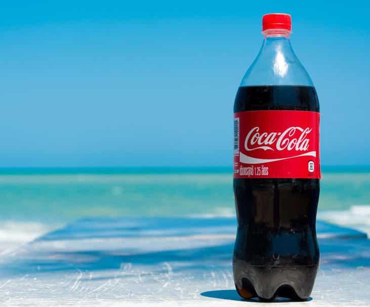 ペットボトルの炭酸飲料を美味しく飲みきる方法に関する雑学