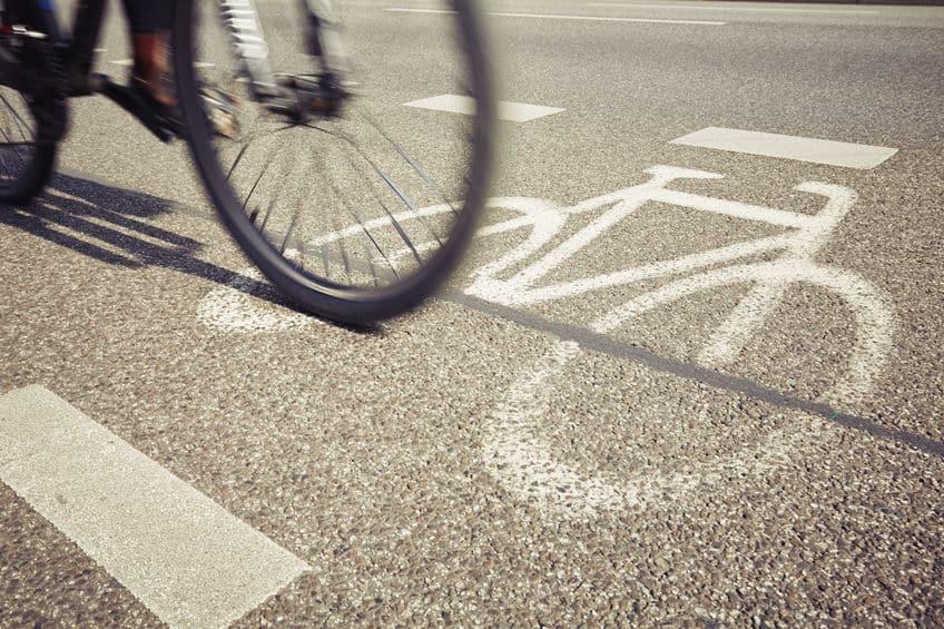 速度制限がない道路でも安全運転義務がある。常に安全運転を心がけよう。というトリビア