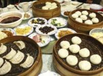 中華料理のターンテーブルはまず右に回すという雑学
