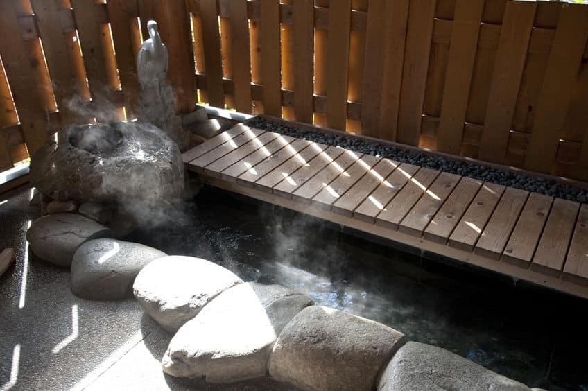 極楽か…!足湯に入りながら乗れる新幹線がある【山形新幹線とれいゆつばさ】についての雑学まとめ