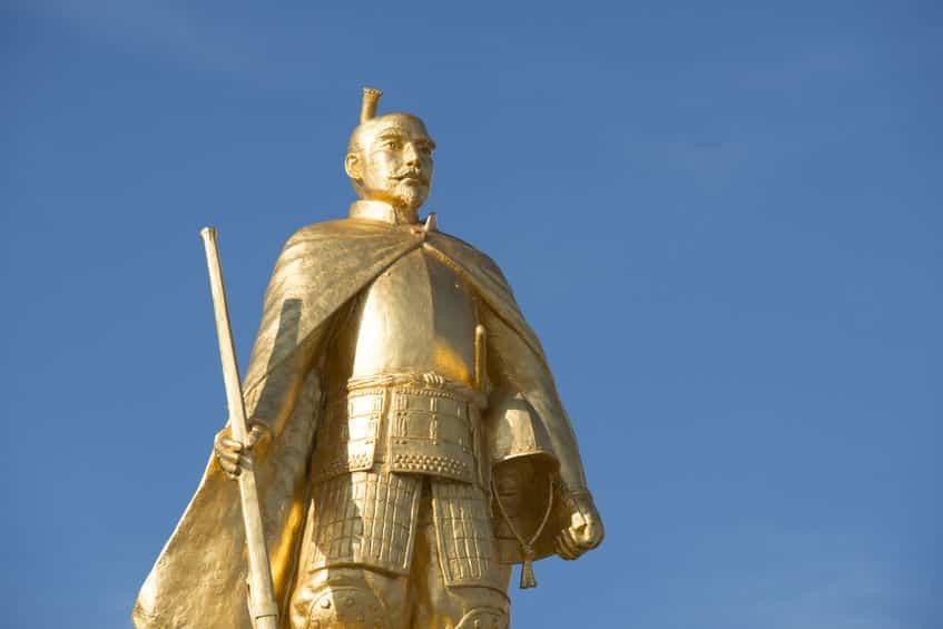 日本初のイルミネーションは安土城で信長が実施した