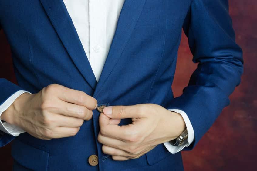 男性用と女性用の服でボタンの位置が違う理由に関する雑学