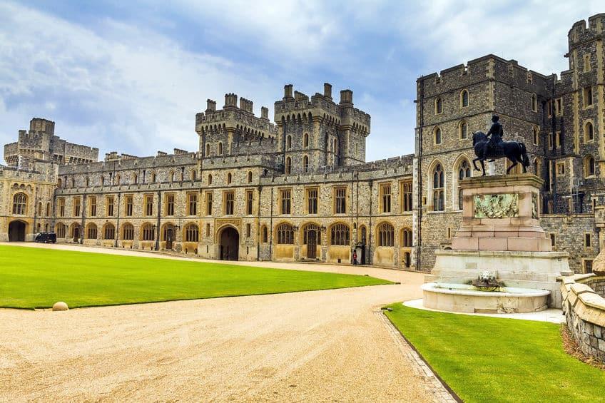 築900年以上!世界最古&最大級の居城はイギリスのウィンザー城についての雑学まとめ