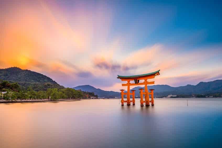 干潮がおすすめ!厳島神社の鳥居は海に浸かっていない時間があるという雑学まとめ