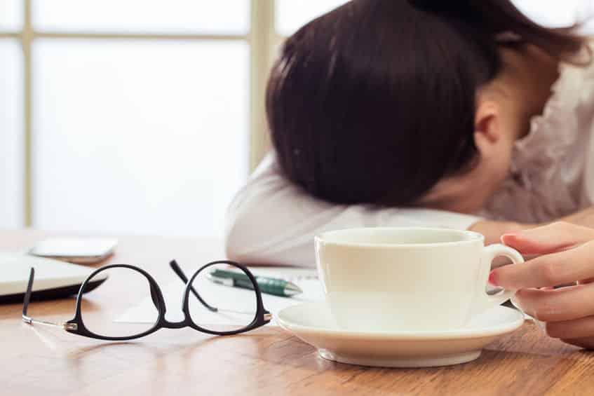 日本人はコーヒーで眠気覚ましができないという雑学