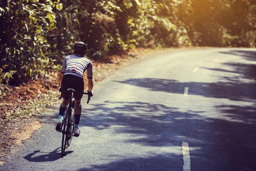 「自転車は常に端を走らないといけない」はちょっと違うというトリビア