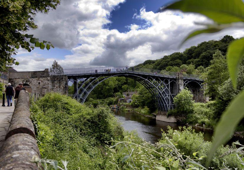 世界で一番古い鉄橋はイギリスにあるという雑学