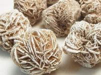 「砂漠のバラ」と呼ばれる鉱物の結晶があるという雑学