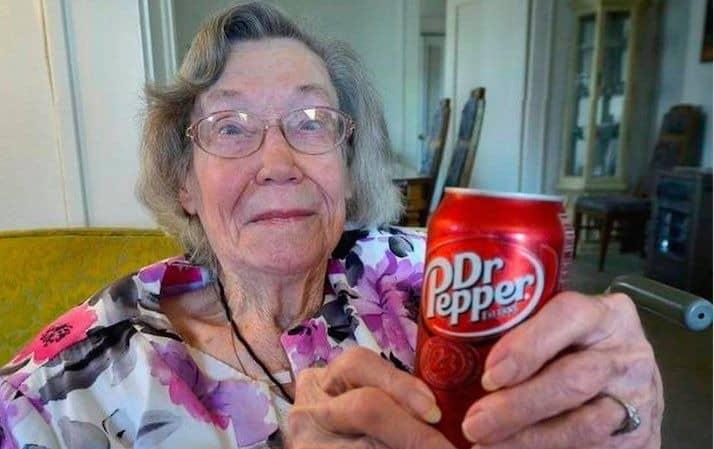 ドクターペッパーを毎日3本飲み続けることが健康の秘訣?!アメリカのおばあちゃんについてのトリビア