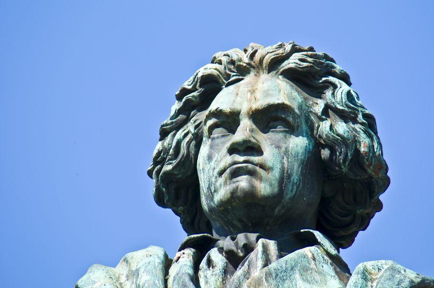 ベートーベンの肖像画の怖い顔をしている理由に関する雑学