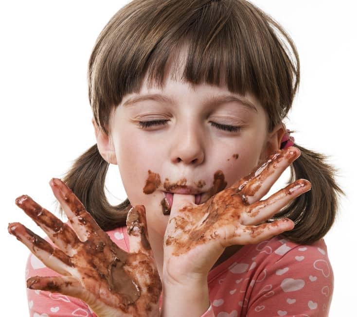 「チョコを食べたら鼻血が出る」は本当?に関する雑学
