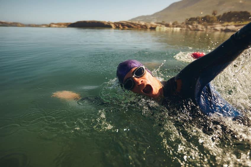 水泳競技は昔、海や川で行われていたという雑学