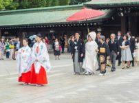 石川県の能登では、道に縄を張って花嫁の邪魔をするという雑学
